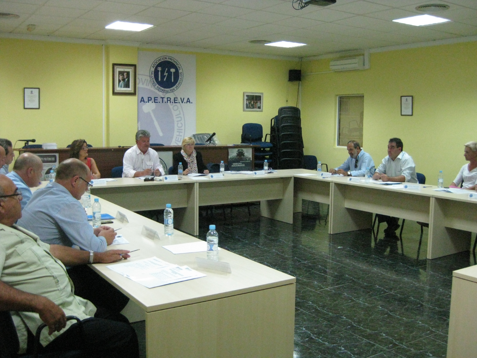 La Federación Regional de Automoción plantea crear un grupo de trabajo