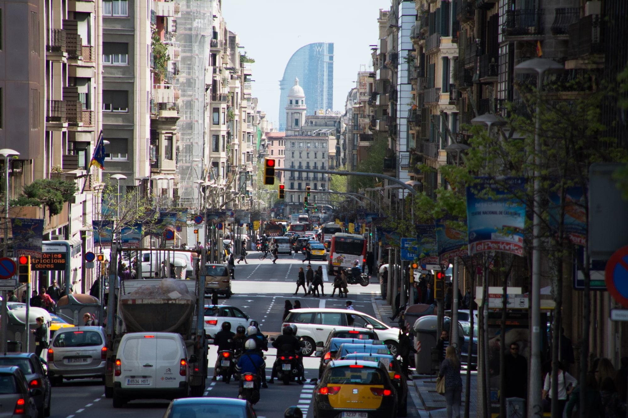 LibroTaller.com posibilita a los vehículos sin derecho a distintivo ambiental circular por la ZBE de Barcelona mientras estén en reparación